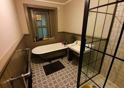 Victorian vintage style bathroom